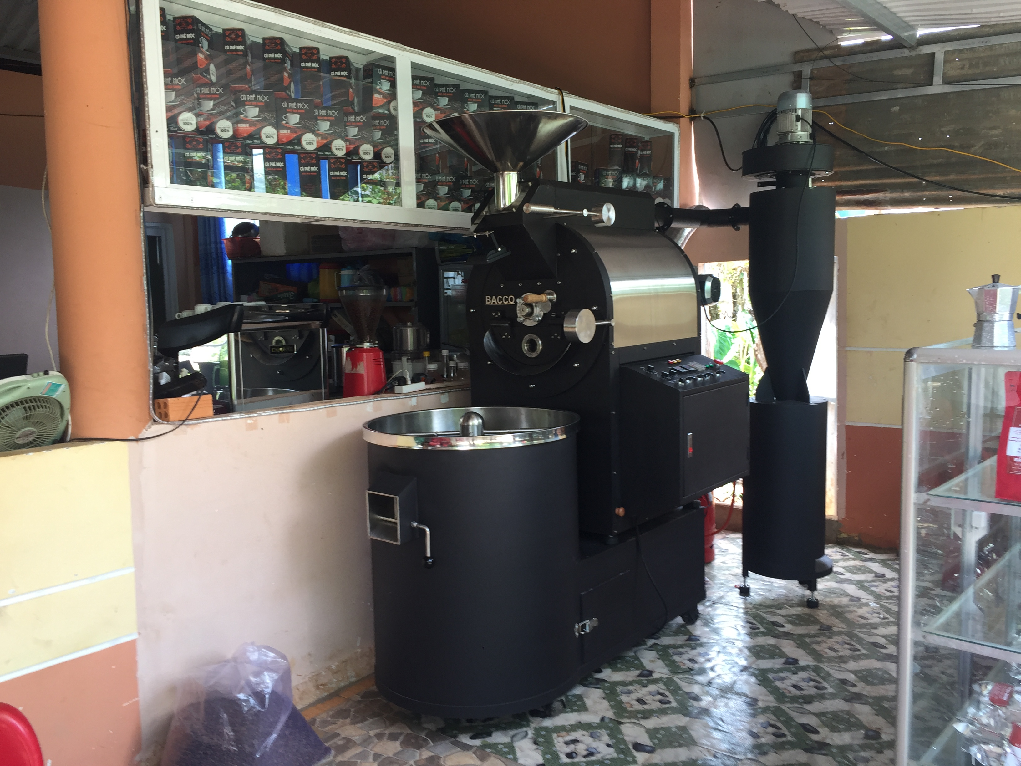 Giá máy rang cafe công nghiệp loại 10kg ở mức xấp xỉ 100 triệu đồng