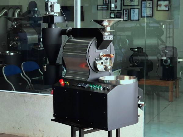 Vì sao nên sử dụng loại máy rang cà phê giá rẻ May-rang-ca-phe-1.5kg%20-%20bacco